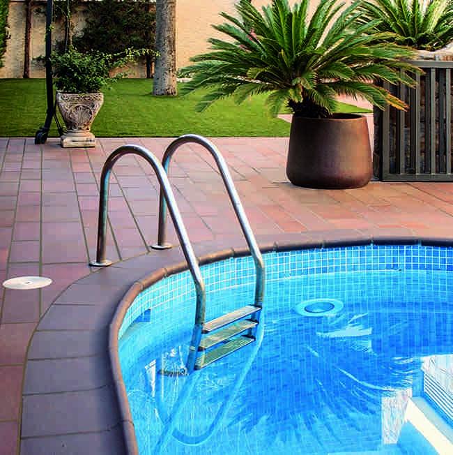 piscina, revestimientos cerámicos
