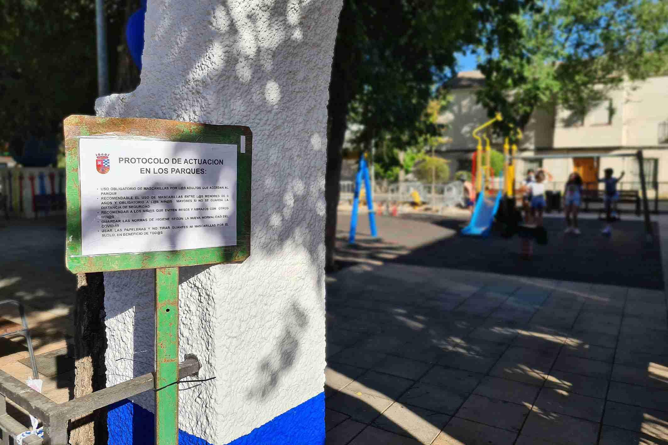 Reapertura de las zonas de juego infantil en los parques de Argamasilla de Alba 3
