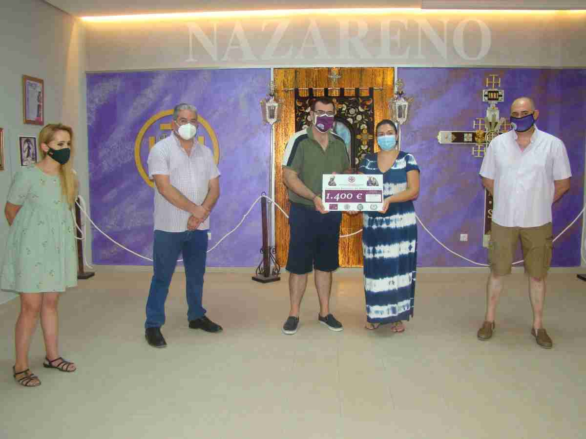 archicofradia nazareno entrega cheque fundacion aladina