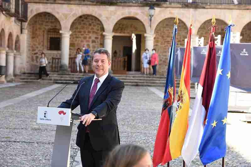 """El presidente regional anuncia un """"macro"""" proyecto para iluminación en la Plaza Mayor de Sigüenza 1"""