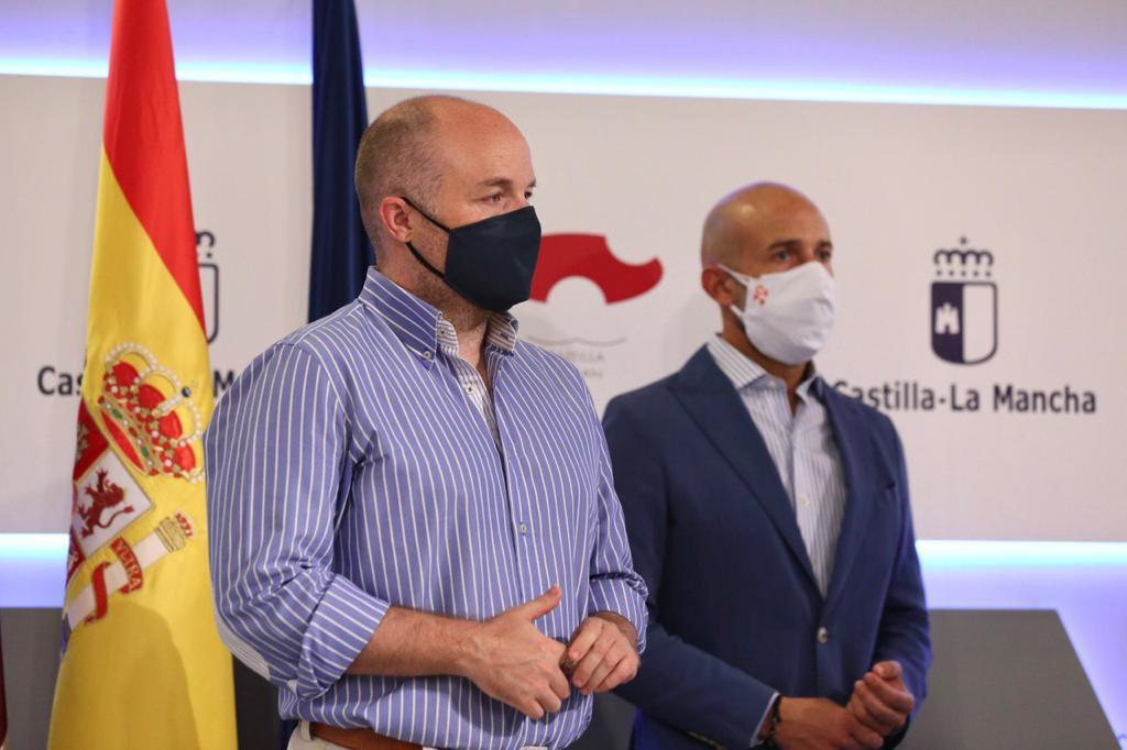 """Ruiz de Ciudadanos: """"Gracias a este acuerdo, no volveremos a ver a médicos protegiéndose del Covid-19 con bolsas de basura"""" 1"""