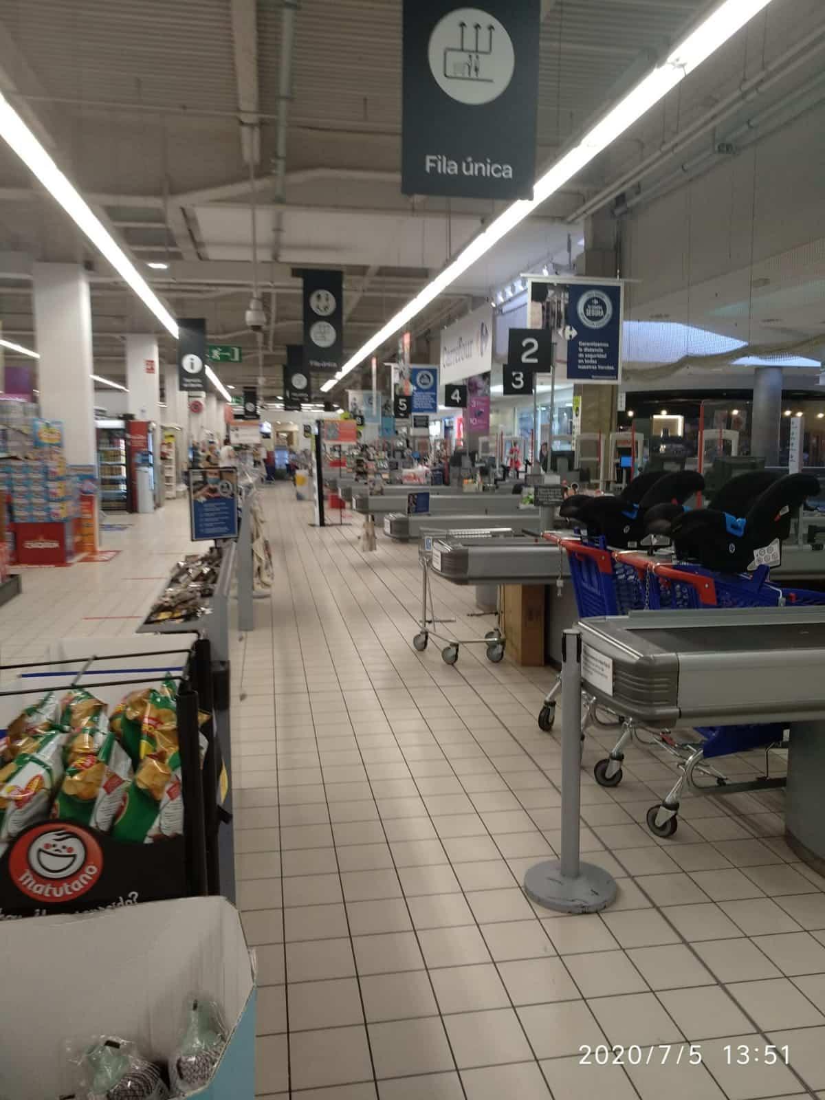 Trabajadores de grandes almacenes de CLM mostraron su indignación a UGT por trabajar los últimos domingos pese al vacío de los centros comerciales 3