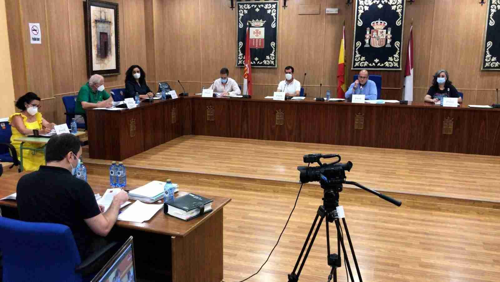 El Pleno conoció anoche las actuaciones municipales realizadas en Polígono Industrial y accesos a Helipuerto 3