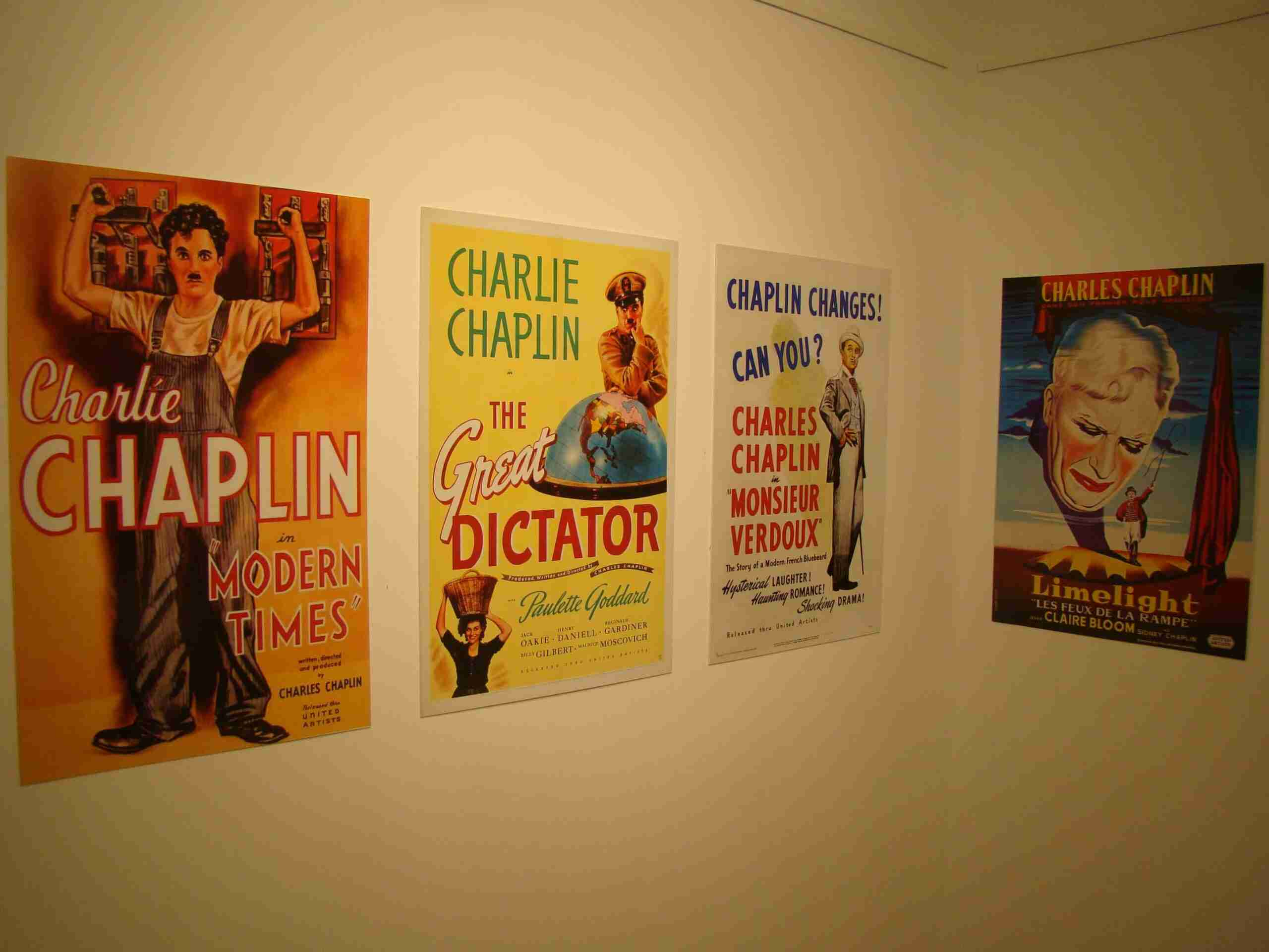 Quintanar de la Orden inaugura una exposición sobre Charles Chaplin 11