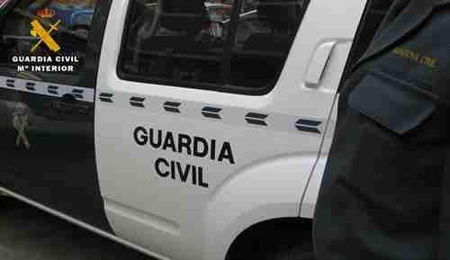 La Guardia Civil redujo a una persona encerrada en su domicilio 1