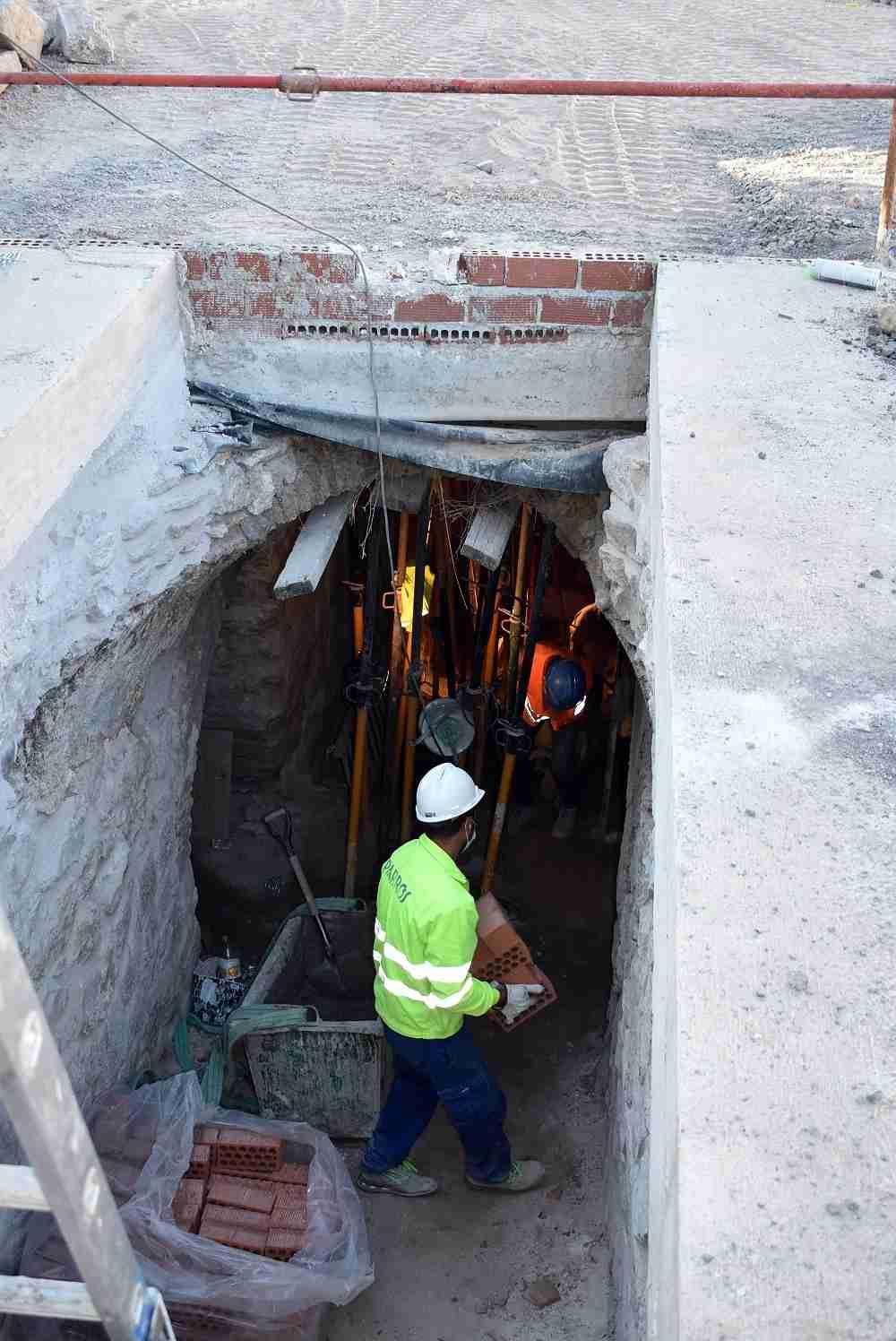 obras de adecuación del entorno del Arco del Torreón