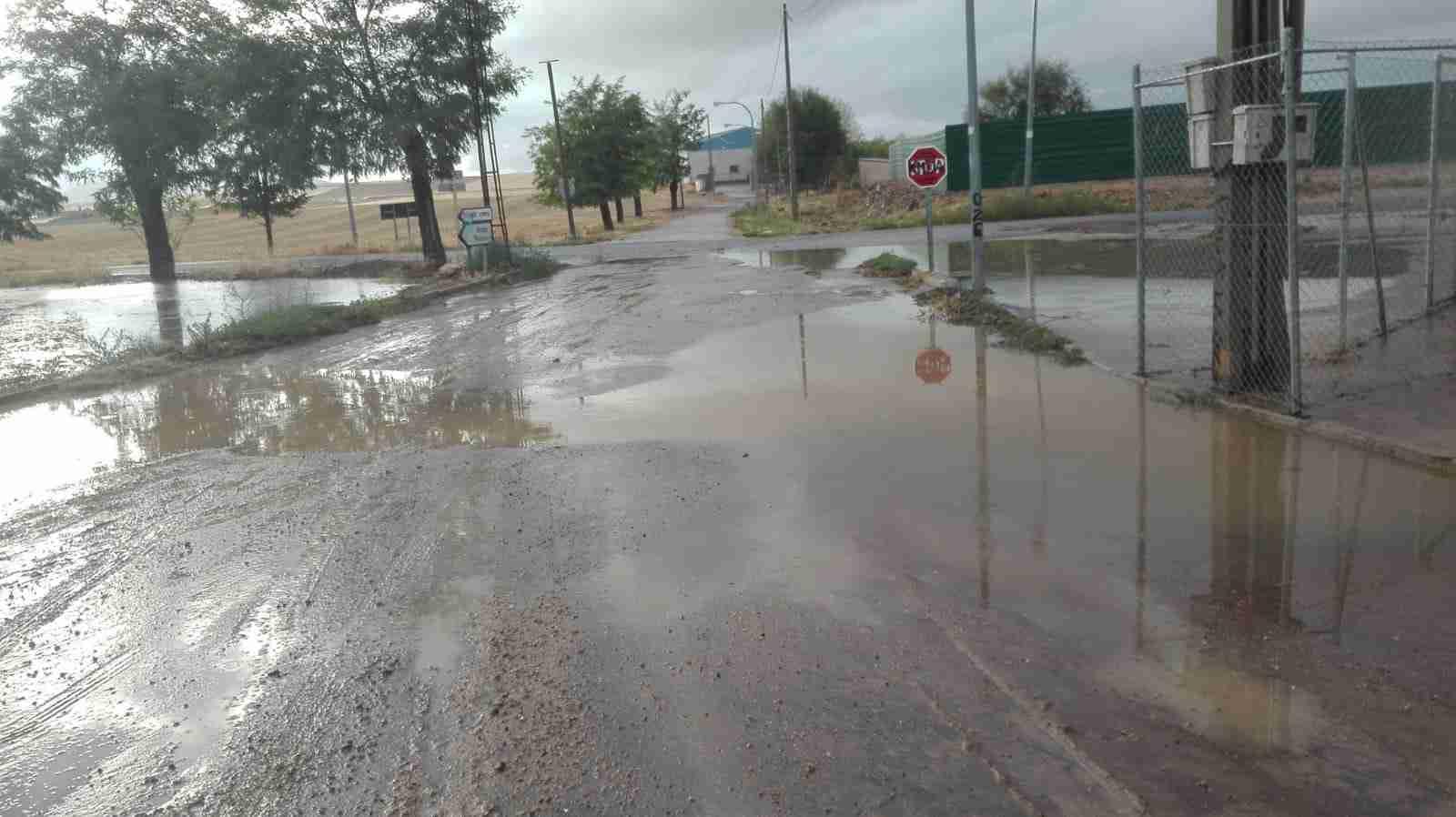 Las calles y carreteras de Calzada de Calatrava sufrieron gran cantidad de inundaciones y desperfectos 1