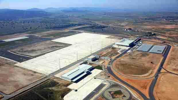 El Gobierno regional valoró que lleguen nuevos proyectos para el desarrollo del Aeropuerto de Ciudad real como polo de atracción a empresas 1