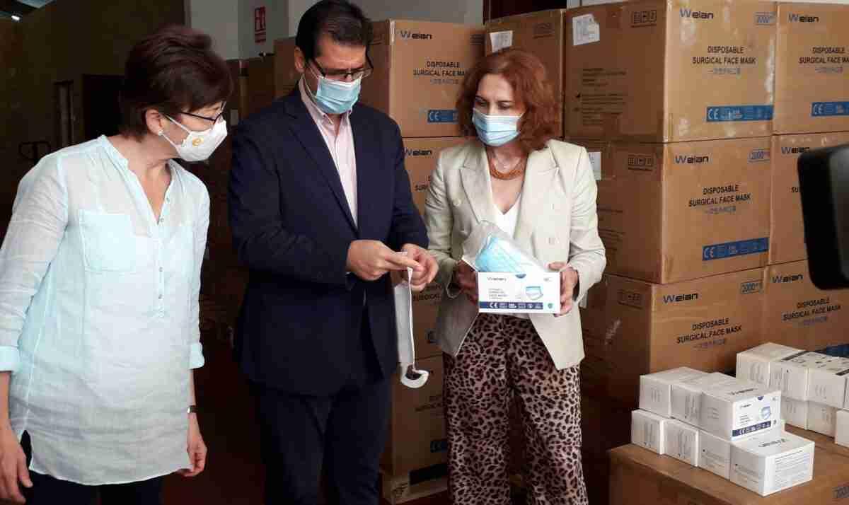 La Subdelegación de Ciudad Real repartió un nuevo lote de 156.000 mascarillas a entidades sociales y locales 5
