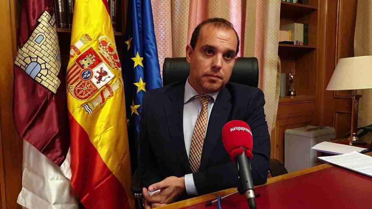 """El presidente de las Cortes regionales sostiene que la futura Ley de Memoria Histórica  es """"un paso hacia un estado más democrático"""" 1"""