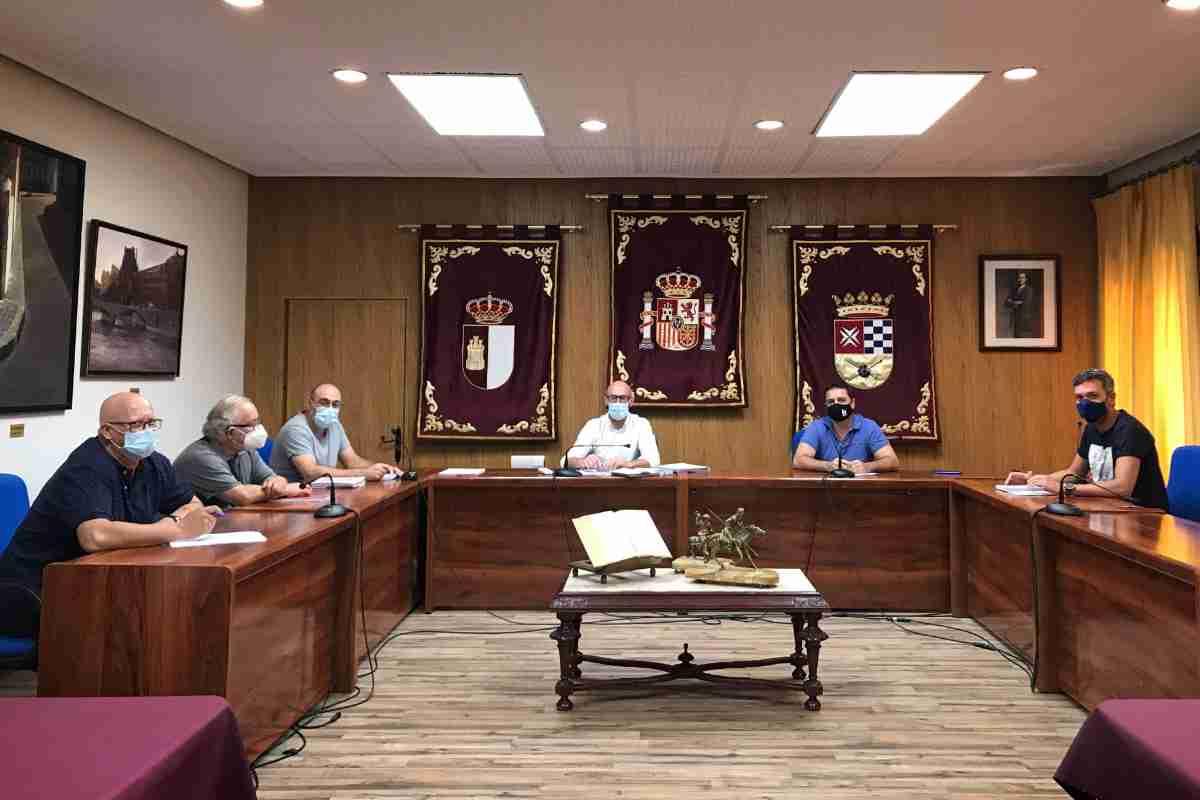 reunion centros educativos argamasilla reforzar seguridad y limpieza
