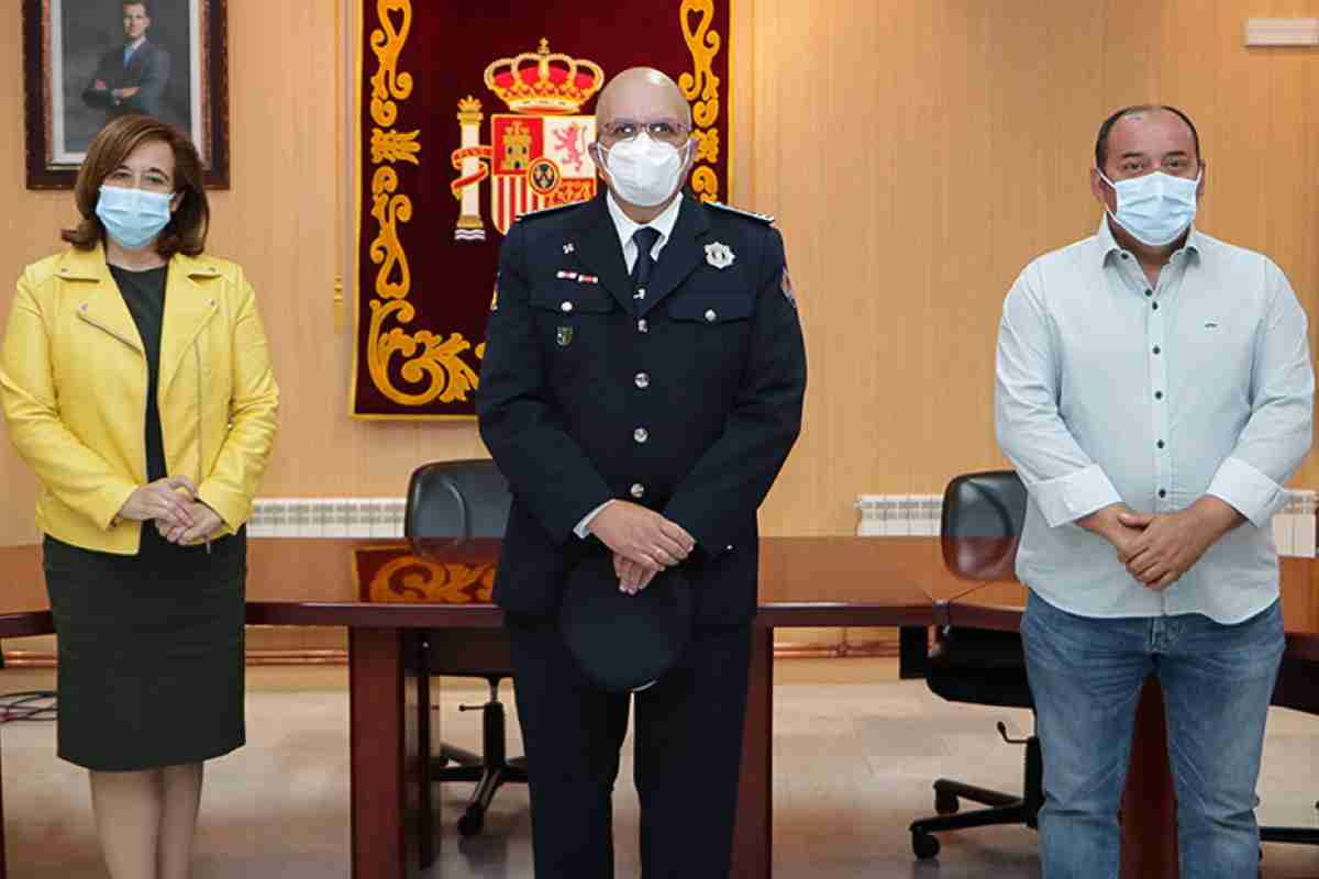 alcaldesa de argamasilla de calatrava felicito a la policia local