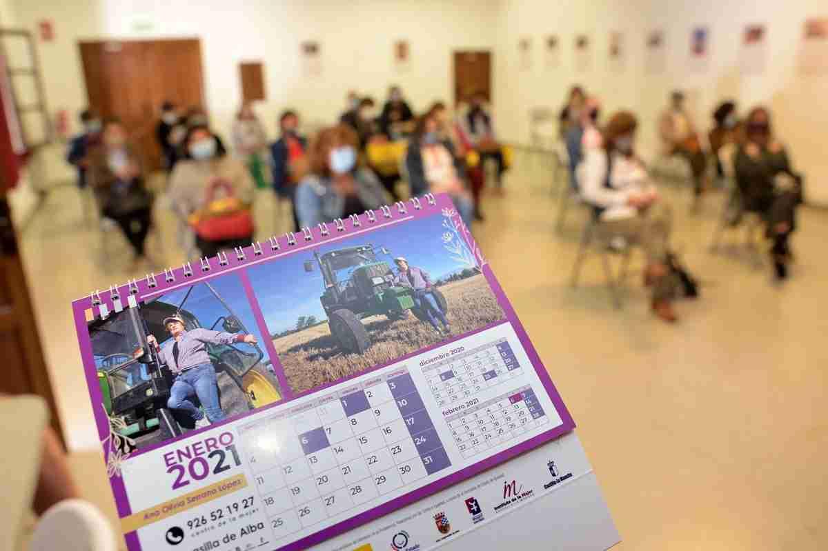 La Concejalía de Igualdad presenta un calendario para visibilizar a la mujer argamasillera en las actividades agrarias y ganaderas 9