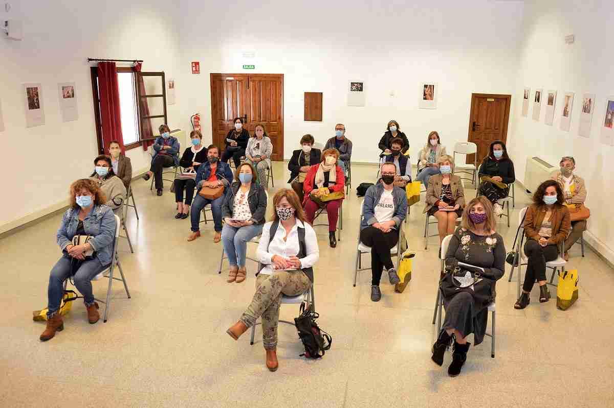 La Concejalía de Igualdad presenta un calendario para visibilizar a la mujer argamasillera en las actividades agrarias y ganaderas 7