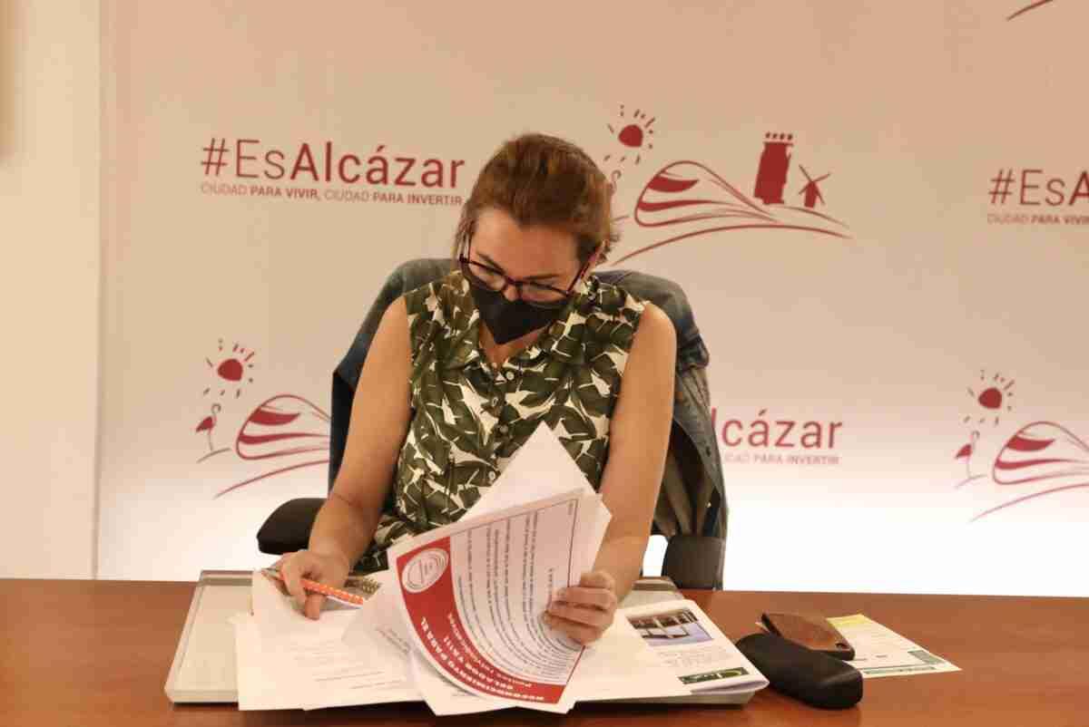 Ciudadanos escucha a celadores para igualar derechos y condiciones con otros trabajadores del sector sanitario 2