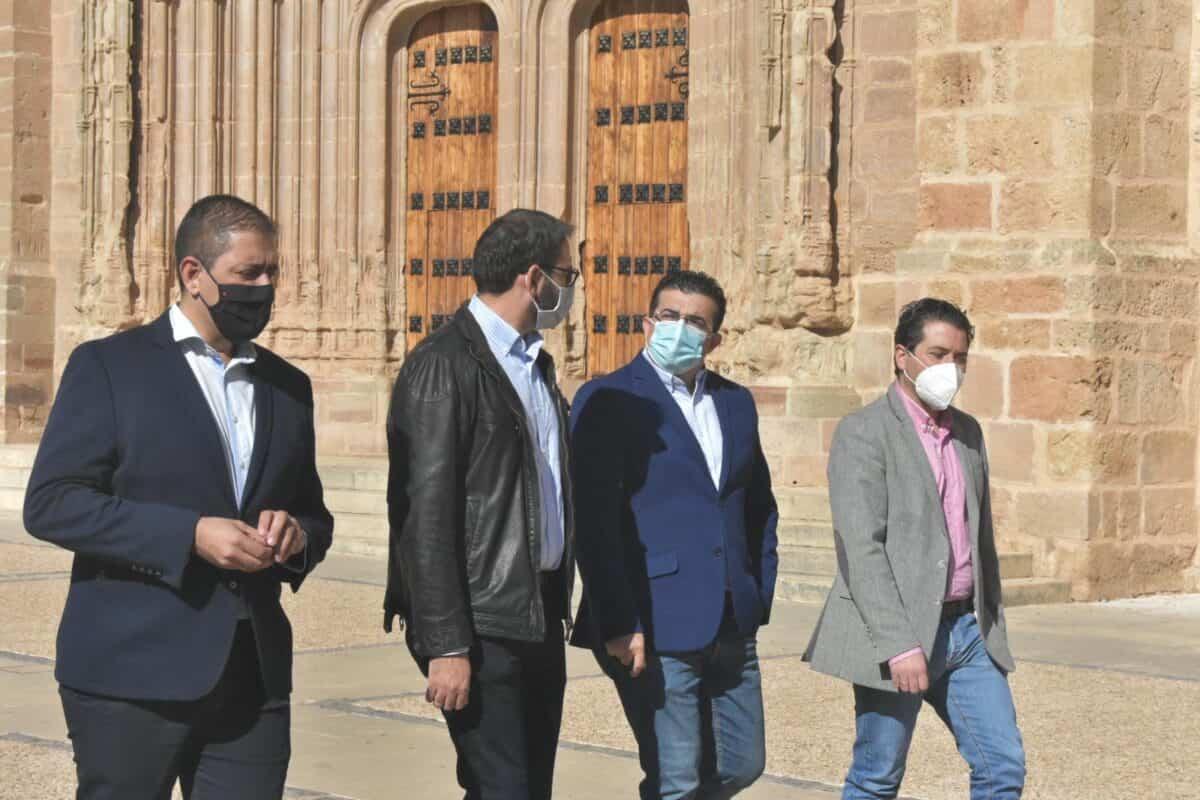 """Gutiérrez subrayó el compromiso del Gobierno regional con los pueblos y aseguró que el virus """"no va a servir de excusa"""" 1"""