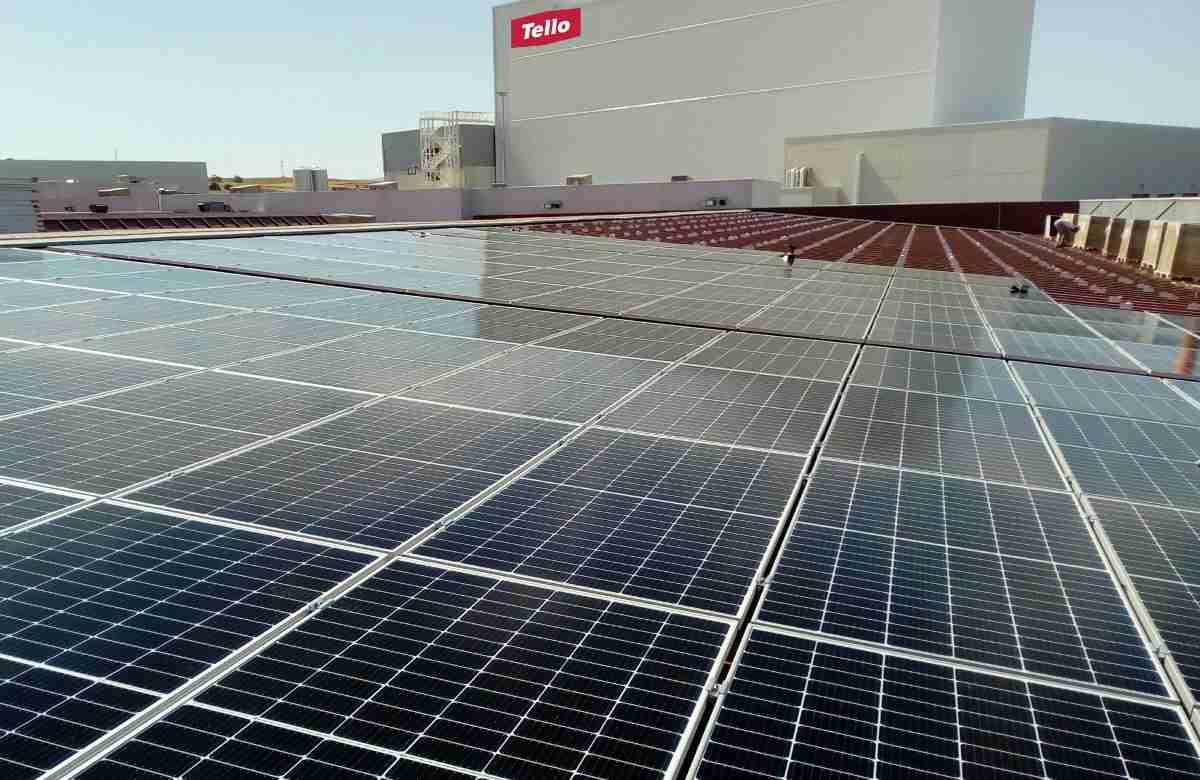 grupo tello instala paneles solares