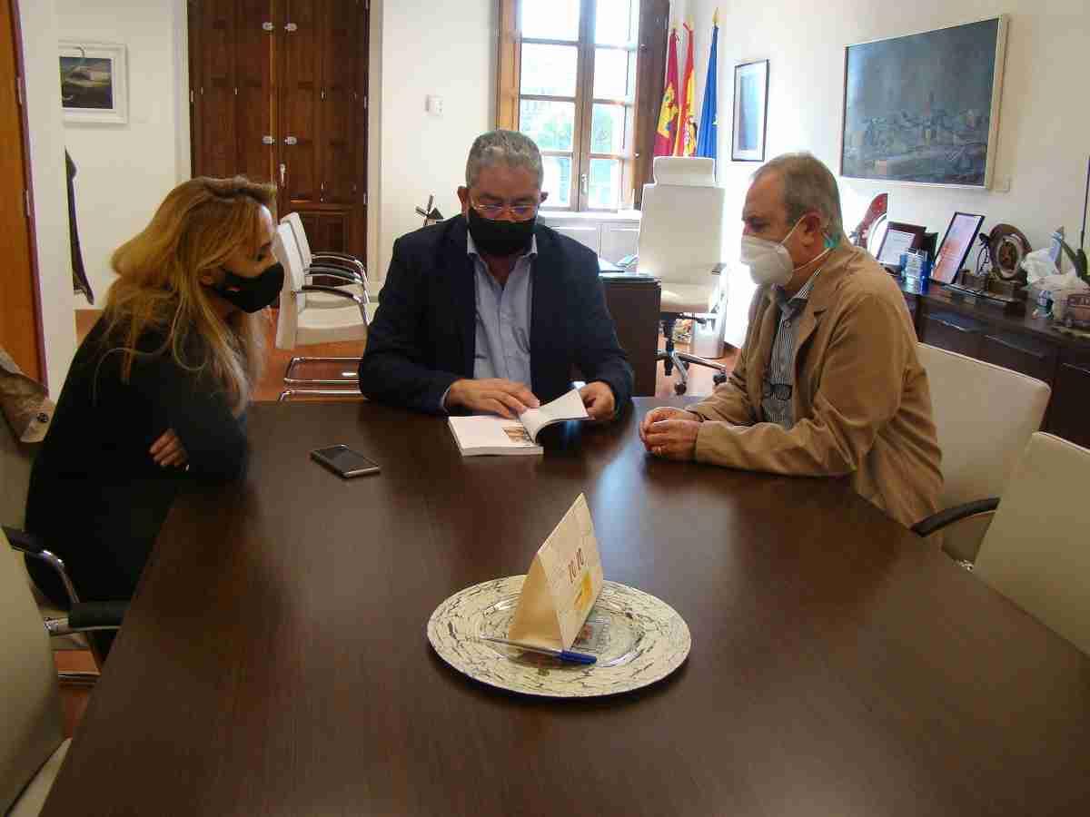 """Marciano Ortega publica su primer libro """"Los Molinos de El Toboso. Realidad o Ficción"""" 4"""