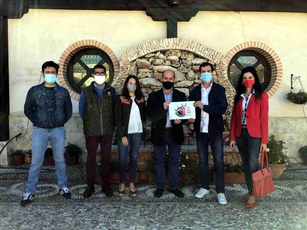 """El logo """"A ojos del paisaje"""", de Ricardo Díaz, ganó el Concurso de diseño para el nuevo logotipo de Turismo de Villarrubia de los Ojos 1"""