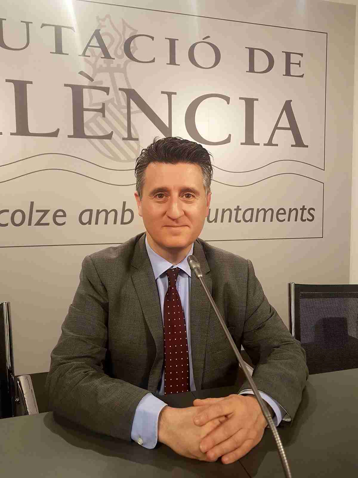 pedro soriano CONTIGO exige a Pedro Sanchez