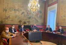 pena taurina popular se reune con senador bernabe