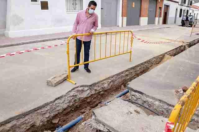 El Ayuntamiento renovó la red de agua en un tramo importante de la calle Juan Fernández- 1