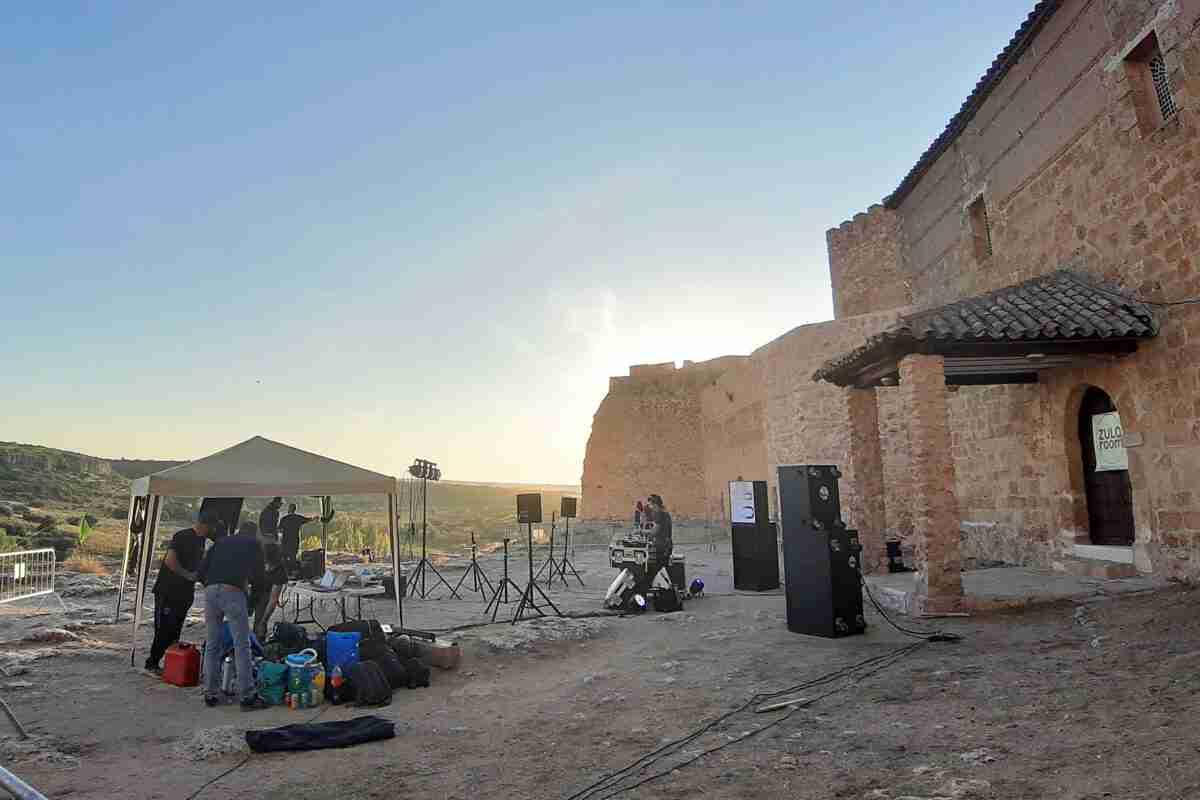 Música electrónica y de vanguardia con Zulo Room en el Castillo de Peñarroya 2
