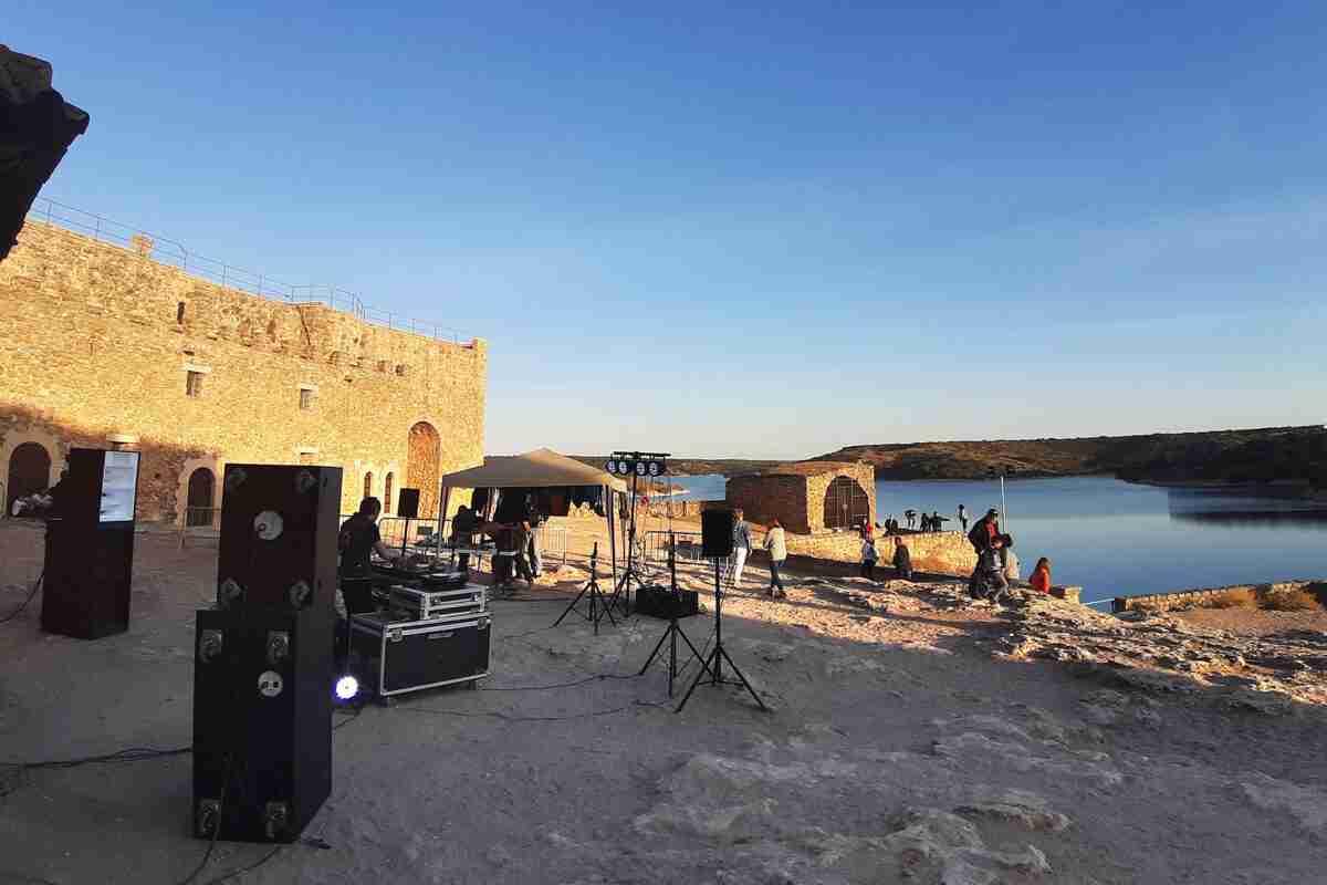 Música electrónica y de vanguardia con Zulo Room en el Castillo de Peñarroya 1