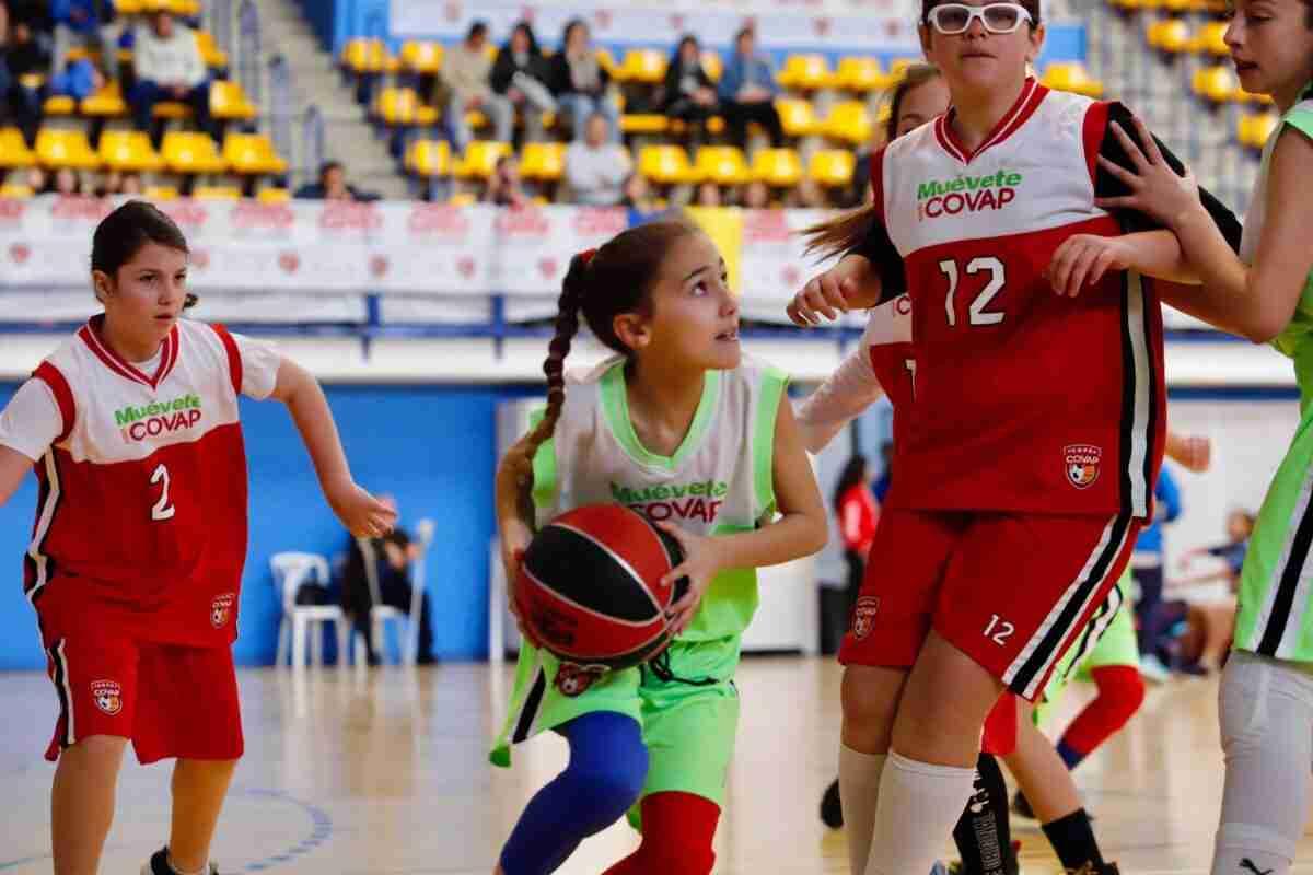 La práctica de ejercicio y una alimentación equilibrada en la infancia ayuda a proteger el cerebro y prevenir enfermedades neurológicas que padece un 16% de la población española adulta 1