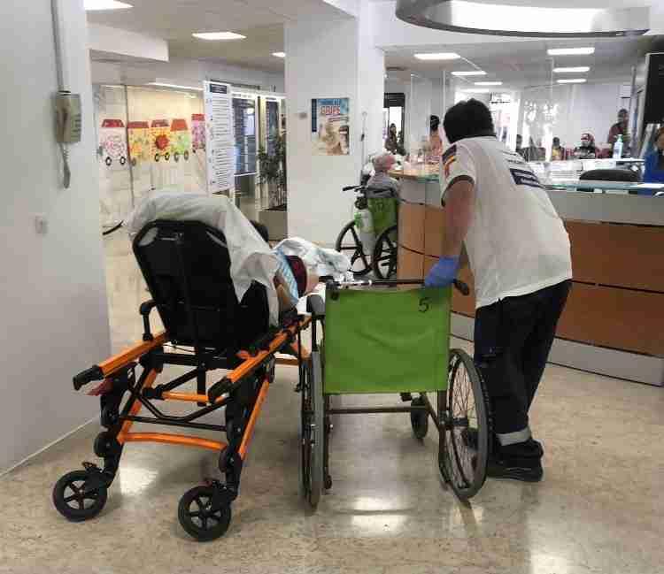 UGT solicita habilitar una zona de transferencia de pacientes en el Hospital de Guadalajara 6