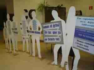 Exposición con siluetas para visibilizar a las víctimas de la Violencia de Género 5