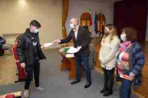El alcalde de Argamasilla de Alba entregó diplomas a los alumnos del curso de PRL en el oficio de albañilería 4