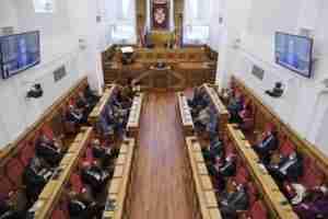 """El presidente de las Cortes regionales pidió que """"no discutamos sobre lo esencial, lo que somos y lo que nos une"""" 4"""