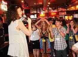 Sin medidas urgentes, el karaoke podría desaparecer en España 1