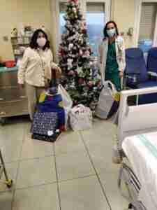 Supernenas hicieron llegar sus regalos a la planta de pediatría oncológica del Hospital de Toledo 2