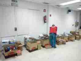 reparto alimentos cruz roja almodovar