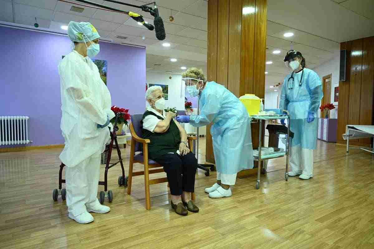 Herencia el primer pueblo de España en vacunar contra el Covid19 a sus políticos 3