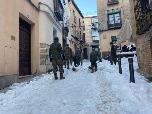 Ejército en plaza de la Merced (3)