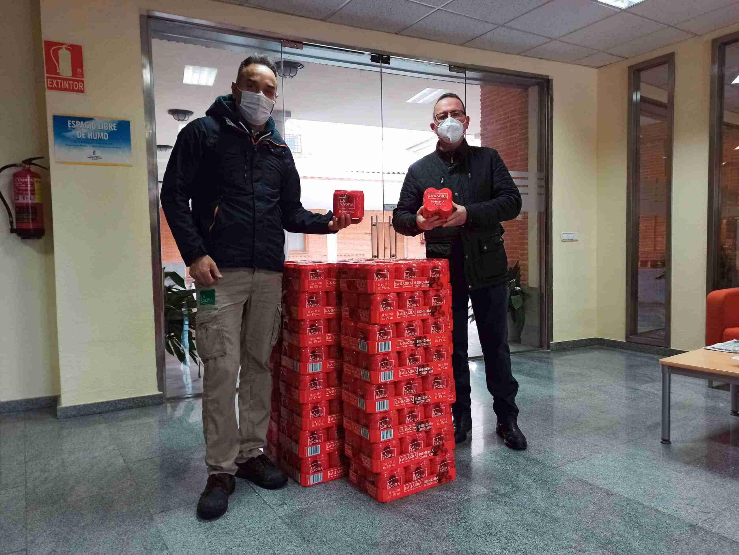 La SAGRA regala cerveza a los trabajadores y voluntarios que han ayudado durante la ola de frío 3