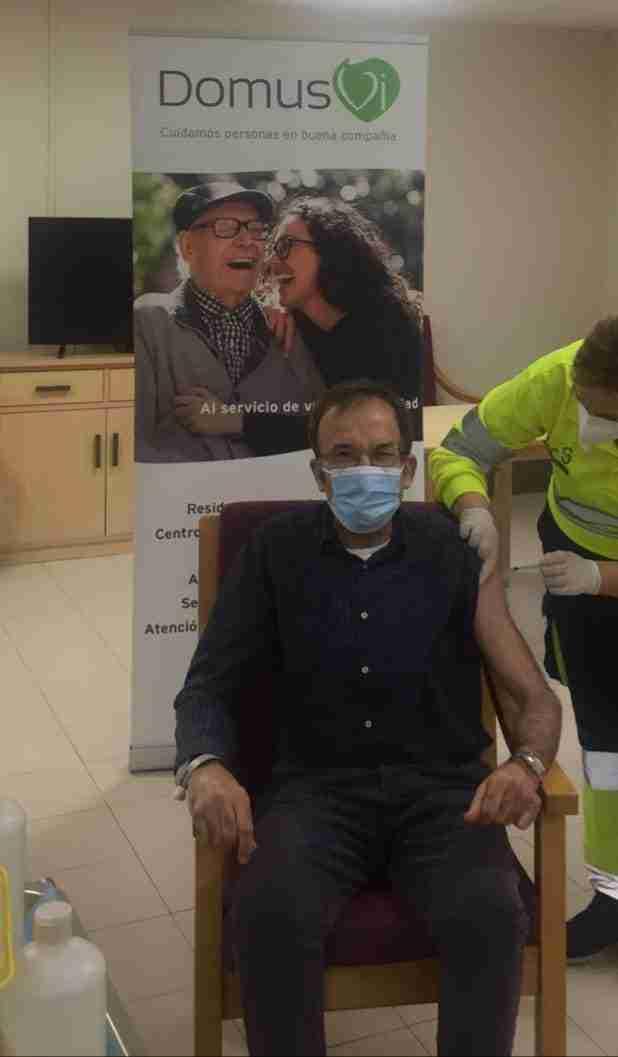 Primeros vacunados en la residencia de mayores DomusVi Monte Val (Ciudad Real) 3