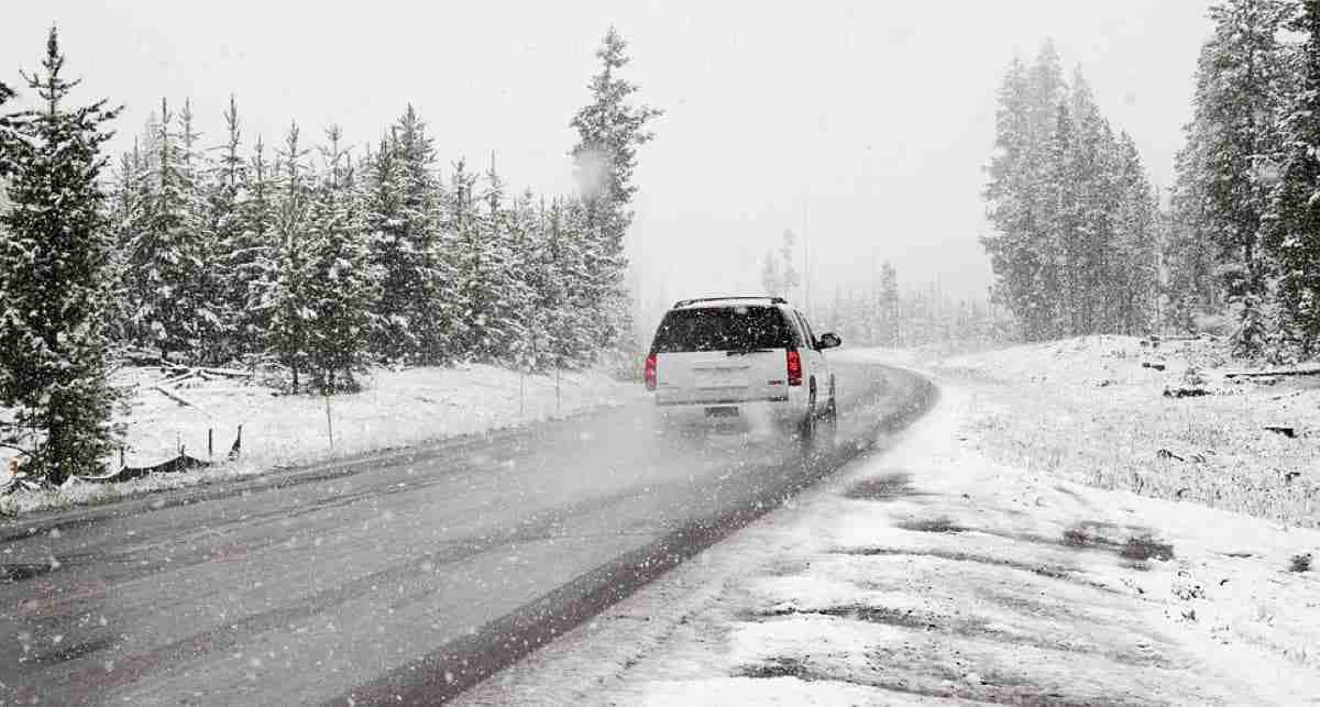 coche nieve cuidados