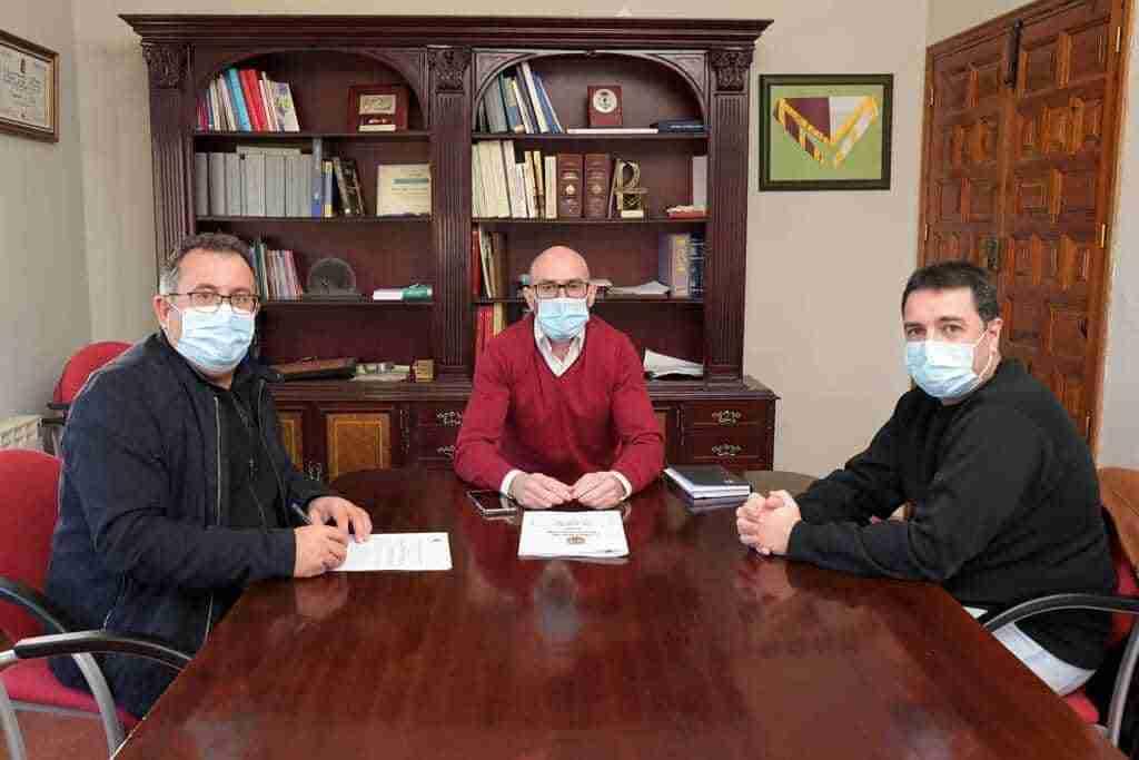 El Ayuntamiento y el Atlético Cervantino firmaron el convenio de colaboración 1