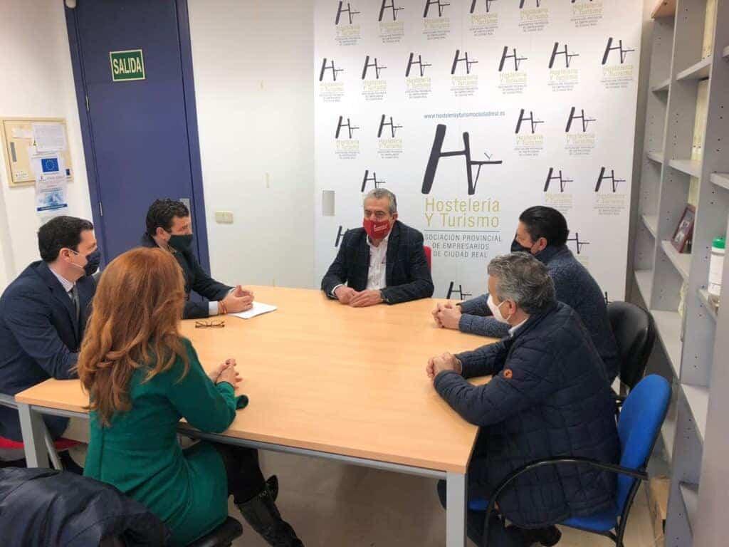 Reunión de VOX con la Asociación Provincial de Empresarios de Hostelería y Turismo de Ciudad Real 2