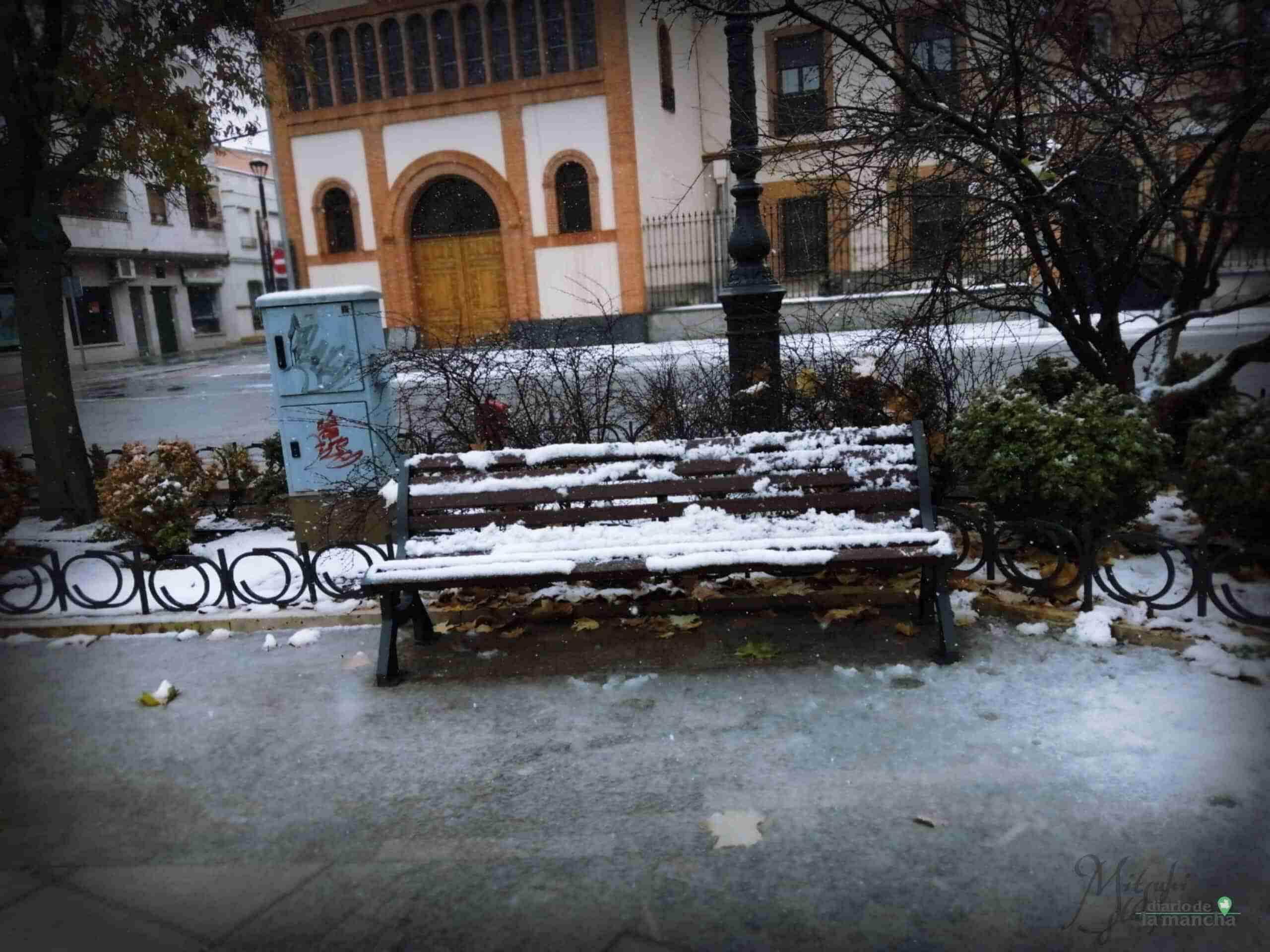 Fotografías de la primera nevada de 2021 en Tomelloso 37