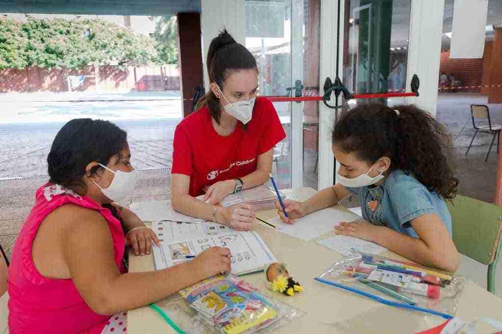 Jata donó purificadores de aire a Save the Children para el Centro de Recursos para la Infancia y la Adolescencia (CRIA) de Toledo 1
