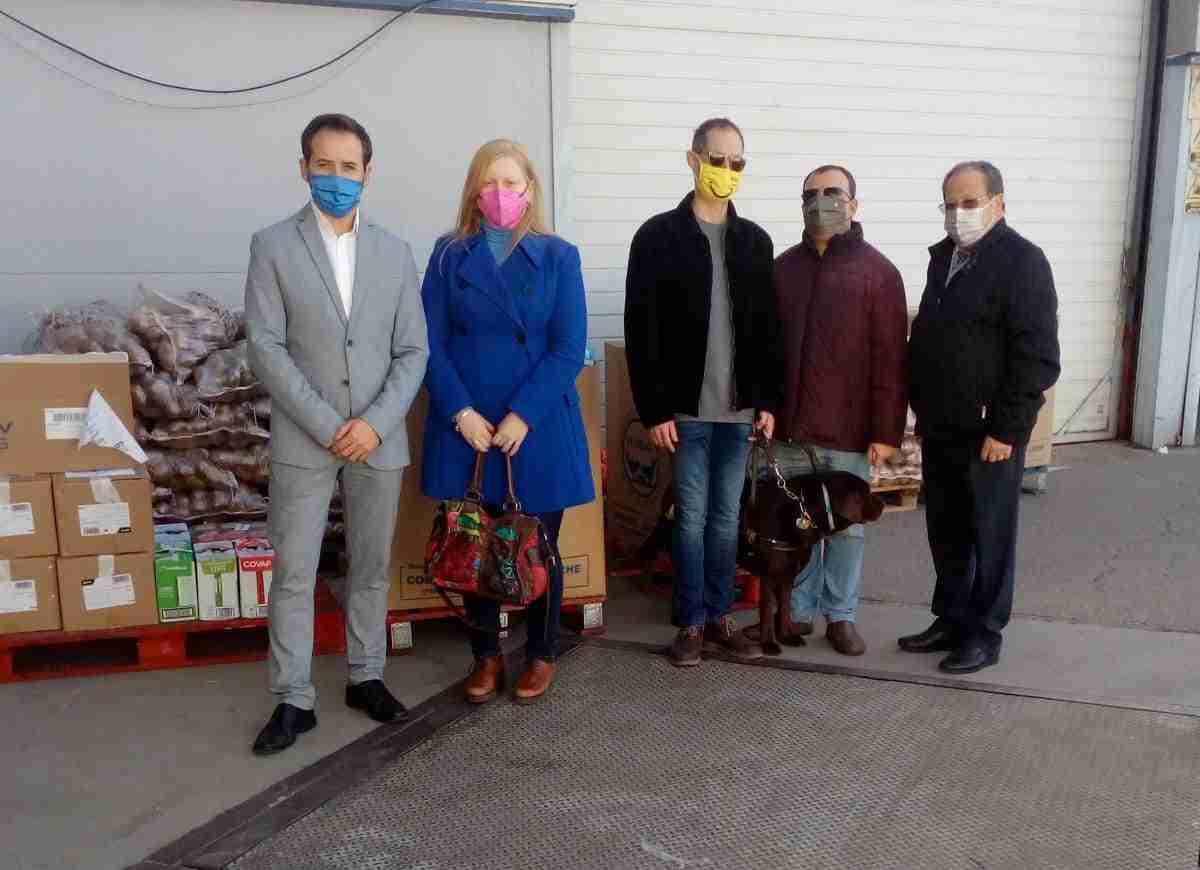 la ONCE dona kilos de alimentos al banco de alimentos