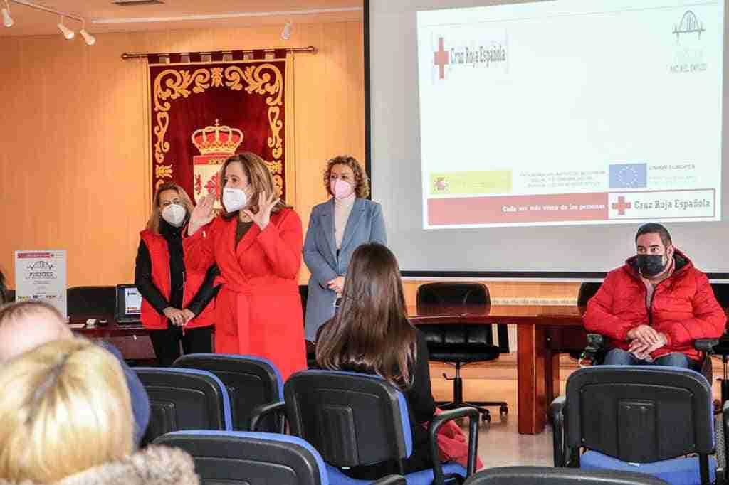Ayuntamiento y Cruz Roja capacitan a mujeres frente a la gran demanda para instalar plantas fotovoltaicas en la comarca 1