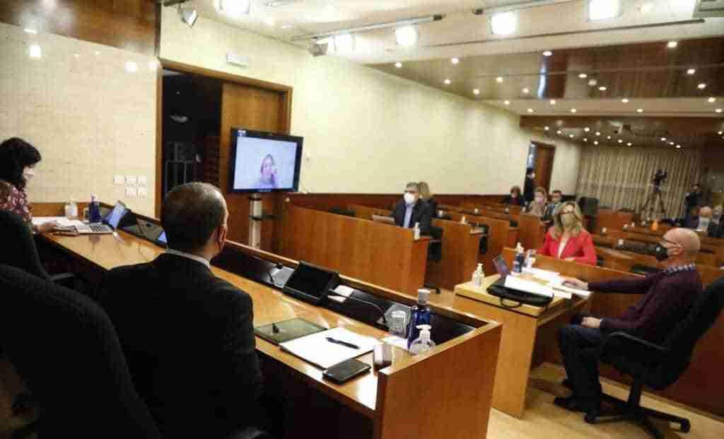 Las Cortes regionales organizan el primer Pleno Institucional por el Día de la Mujer 1