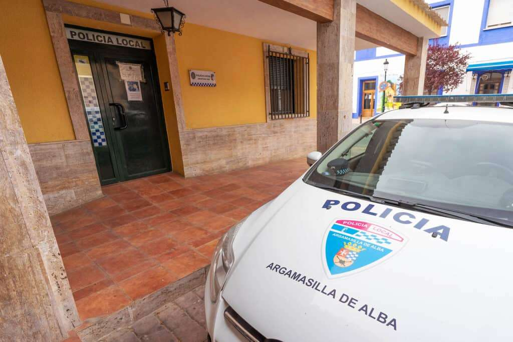 Denuncia de la Policía Local de Argamasilla de Alba por incumplimiento del horario de cierre 1