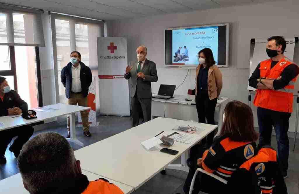 El Gobierno regional facilita renovación del título para uso de desfibrilador a veinte voluntarios de Protección Civil 1